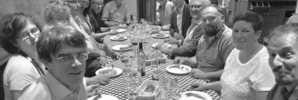 Après l'effort, le réconfort. Dîner du 29 juin 2017 avec les intervenants (de gauche à droite) : Frédéric Giraut, Valeria Fedeli, Pierre-Antoine Landel, Daniel Béhar, Divya Leducq, Stephen Hall, Mario Carrier, Christophe Demazière, Patrice Melé, Luis Fernando Bessa, Julien Aldhuy, Anne Mévellec, Romain Lajarge